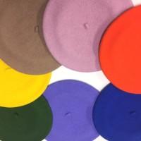 秋らしいベレー帽のご紹介です
